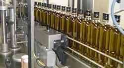 Envasado del aceite de oliva elaborado